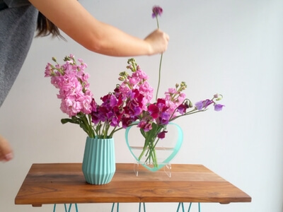 Colourful vase tutorial - adding sweet pea
