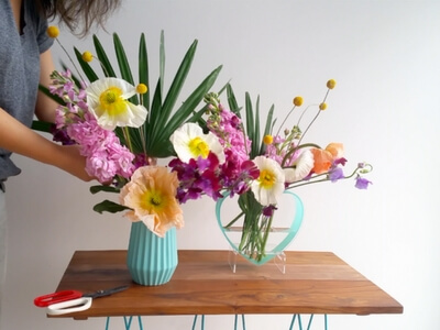 Colourful vase tutorial - finish by adding fan palm