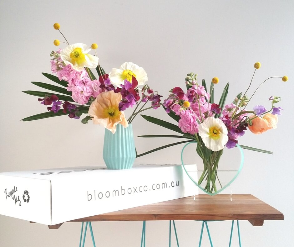 Colourful flower arrangement with sweet pea, stock and poppies Tutorial