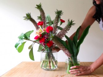 fireworks themed flower arrangement