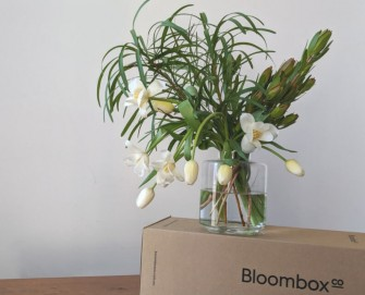 DIY Tulip leucadendron flower arrangement tutorial